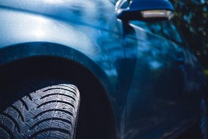 車検でのサイドスリップ検査の基準と調整方法